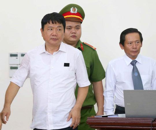 """Vụ PVN góp vốn vào Oceanbank: Ninh Văn Quỳnh nhận """"lót tay"""" 180 tỉ đồng?"""