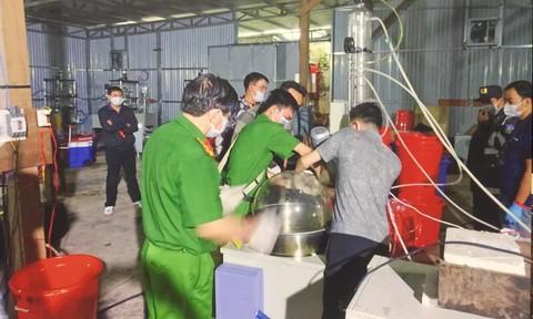 Triệt phá xưởng sản xuất ma túy ở Kon Tum, thu 13 tấn hóa chất, tiền chất, : 2 người TQ cầm đầu, thuê người VN làm