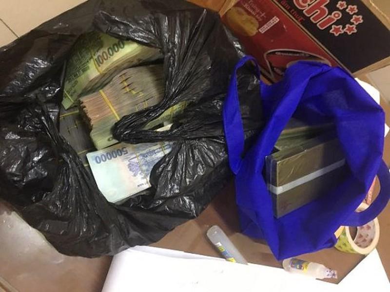 Nữ giáo viên tiểu học đề nghị hối lộ CSGT 1 tỷ đồng để bỏ qua việc vận chuyển ma túy