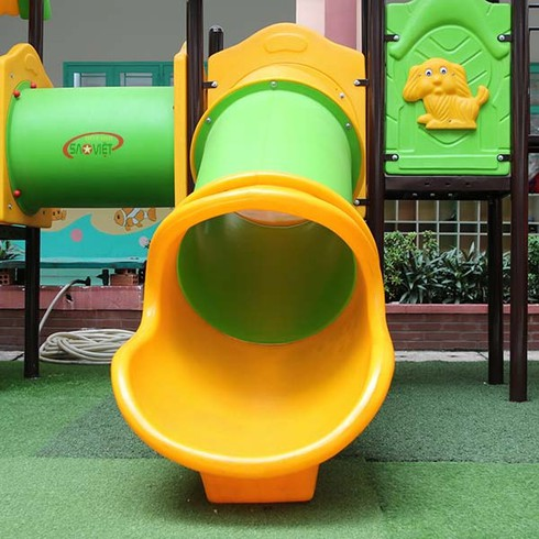 Sóc Sơn: Bé 3 tuổi tử vong khi chơi cầu trượt tại trường mầm non