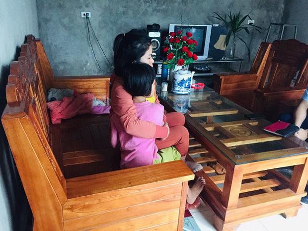 Phá cửa cứu con gái 9 tuổi bị xâm hại