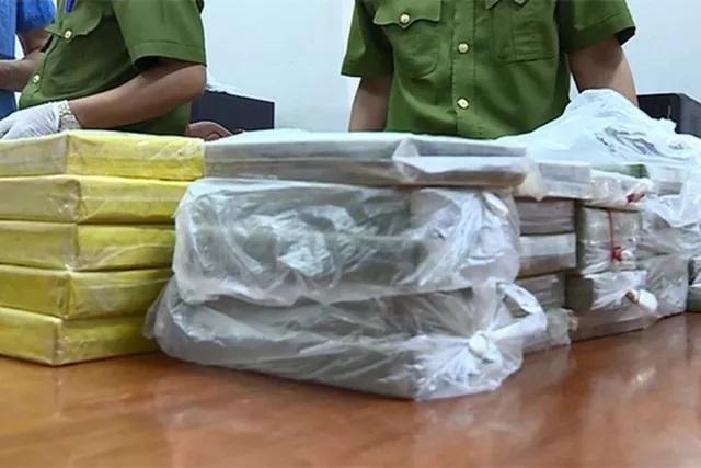 Chặn ô tô chở 54 bánh heroin ở Trạm thu phí cao tốc Hà Nội - Hải Phòng