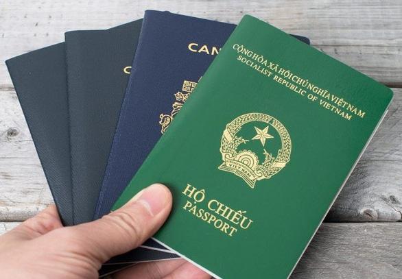 Công chức, đại biểu Quốc hội có được hai quốc tịch?