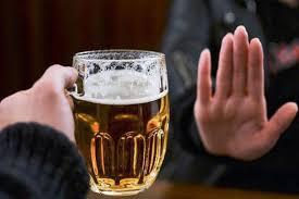 Ép người khác uống rượu bia có thể bị phạt đến 3 triệu đồng