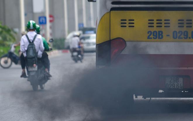 Hà Nội rà soát xe xả khói đen để cải thiện chất lượng không khí