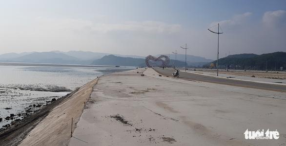 Lợi dụng chính quyền lo dập dịch, một công ty lấn chiếm 16.000m2 đất ngoài chỉ giới