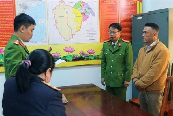 Để lâm tặc hoành hành, trạm trưởng trạm bảo vệ rừng bị khởi tố