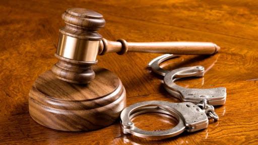 Chế định tự ý nửa chừng chấm dứt việc phạm tội trong các vụ án đồng phạm