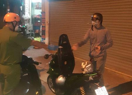 Thượng uý cảnh sát hy sinh khi truy đuổi người vi phạm giãn cách