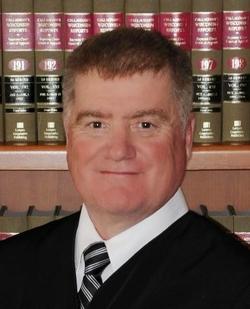 Thẩm phán Mỹ gặp rắc rối vì kết bạn Facebook với nguyên đơn