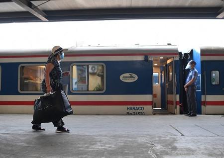 Hàng không, đường sắt mở bán vé chặng mới