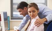 Sờ soạng phụ nữ có phải là hành vi dâm ô?