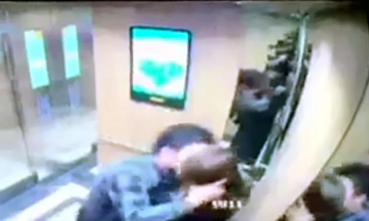 Người đàn ông cưỡng hôn nữ sinh trong thang máy bị phạt 200.000 đồng