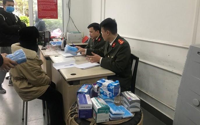 Gom 120.000 khẩu trang từ miền Nam bán sang Trung Quốc kiếm lời