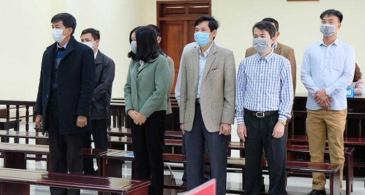 Các phiên toà dừng xét xử đến hết tháng 3
