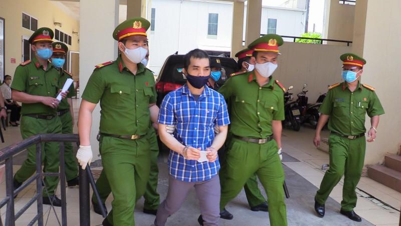 Tài xế đặt bom khủng bố Cục Thuế Bình Dương bị 11 năm tù